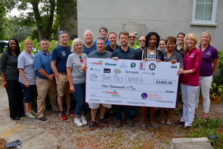 Enmarket & Healthy Savannah Donate Time and Money to Park Place Outreach